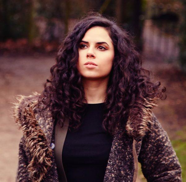 female-singer-london