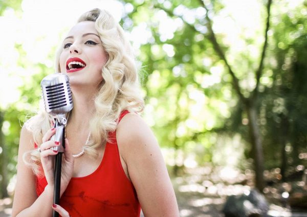jazz-singer-to-hire